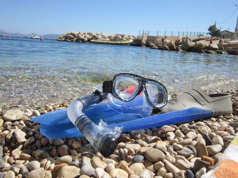 calanque proche Marseille- maison dans calanque de la Vesse, holiday rental in Marignane