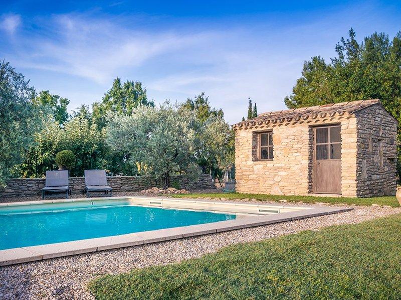 Mas Provençal de 200m2, climatisé avec piscine  classé 4 *  Belles prestations, holiday rental in Puymeras