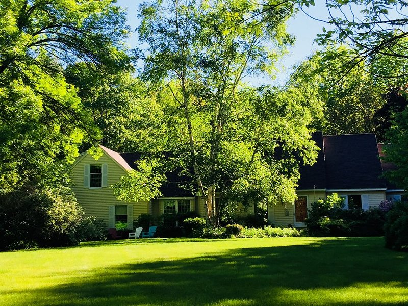 Fully Furnished Executive/Garden Apartment In Falmouth, Maine, holiday rental in Yarmouth