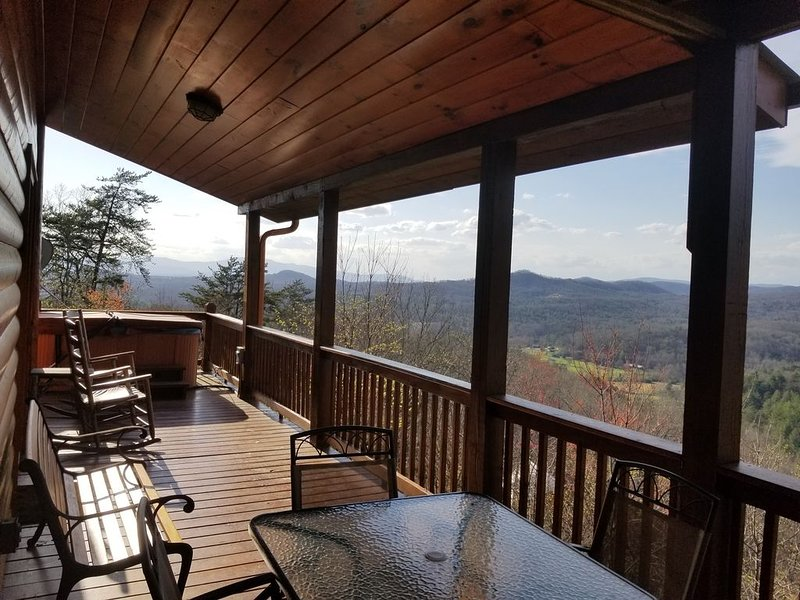 It's All About The View!! 3 Bedrm/3 Bath Cabin  Blue Ridge GA, Mineral Bluff GA, vacation rental in Mineral Bluff