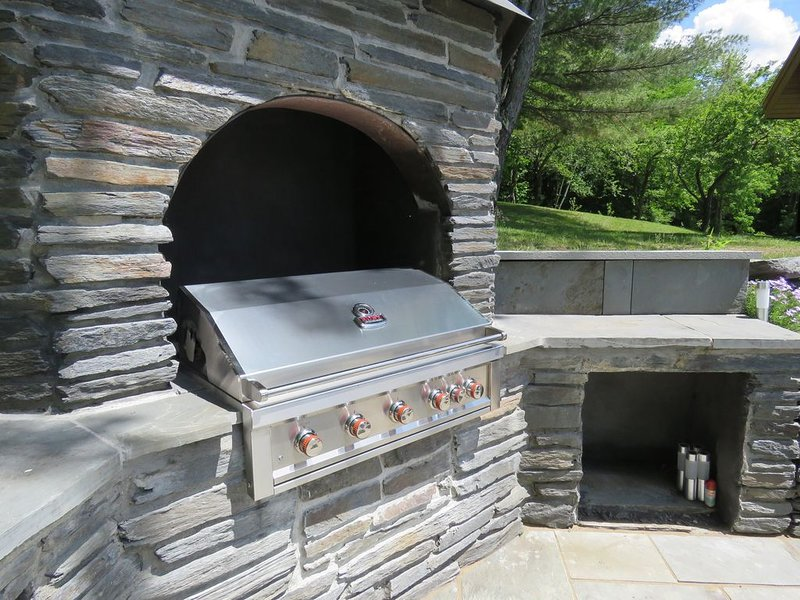 Enjoy outdoor cooking poolside on the new 42' propane grill.