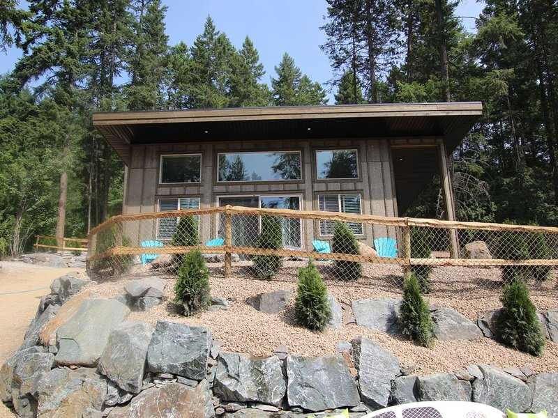 Cabin 3 called Sunset at Blind Bay Hideaway on the beautiful Shuswap Lake, holiday rental in Celista