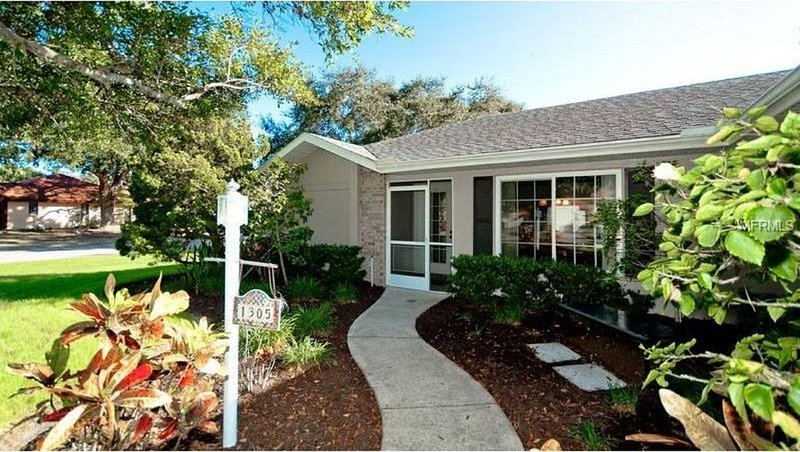HEATED POOL GORGEOUS BEACHES FULLY STOCKED 3 BED/2BA FREE WIFI/CABLE, holiday rental in Bradenton