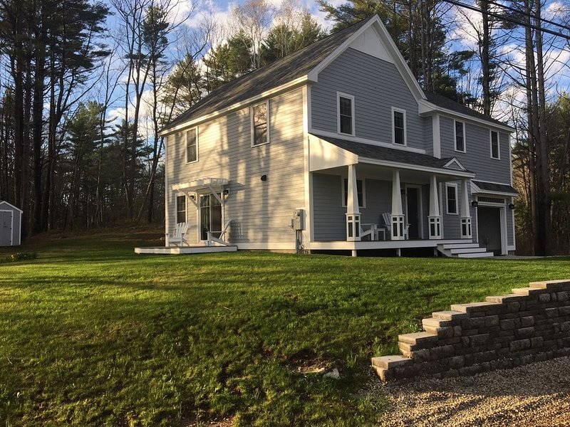 Brand new luxury home steps from Kennebunkport's Dock Square and the beaches., holiday rental in Kennebunks