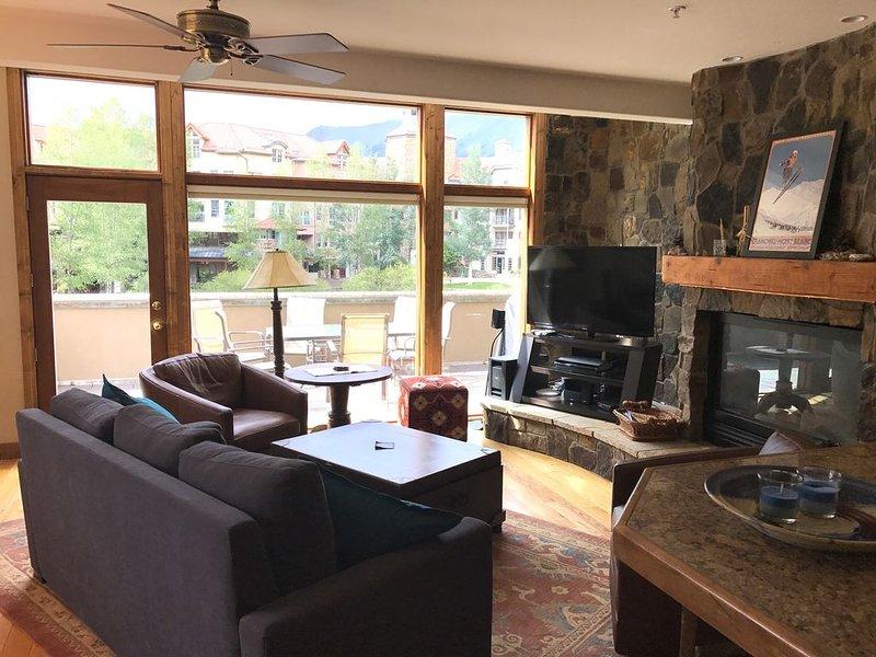 Condo in the core of Mountain Village, 3 Bedrooms, 3 Baths, (Sleeps 8-10), location de vacances à Mountain Village