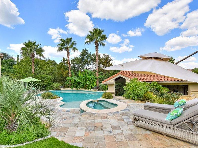 ABOVE PALMS | 12 Beds | Media Room | Pool & Spa I Cabana Lounge I Private, location de vacances à Volente