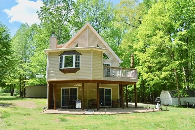 Ella's Retreat at Rainbows End Waterfront Home on the Private Side of Lake Anna, holiday rental in Mineral