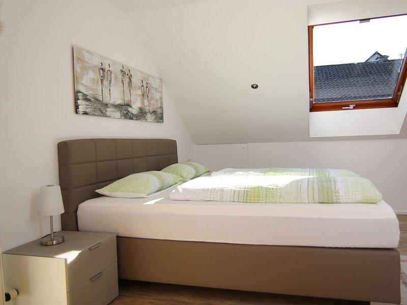 Ferienwohnung, 78 qm, 2 Schlafzimmer, Terrasse, max. 4 Personen, alquiler vacacional en Bad Wildbad