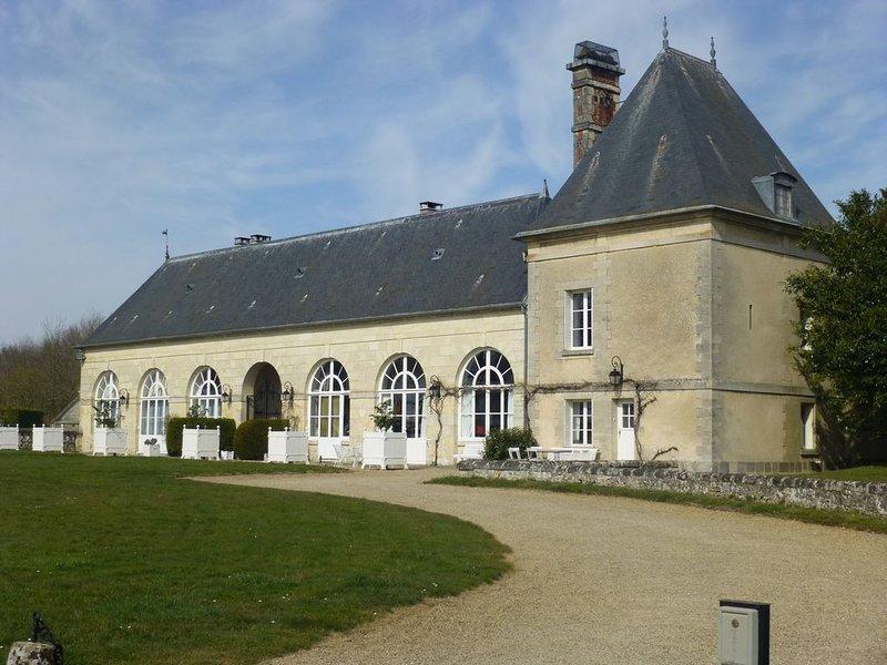 The Orangery apartment, Chateau de la Trousse, location de vacances à Montreuil-aux-Lions