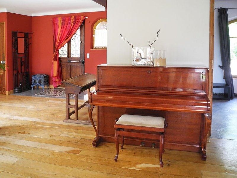 Quality piano tuned every spring