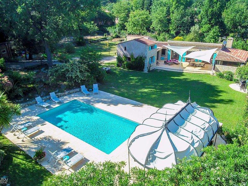 Villa de charme au calme: piscine chauffée, sauna - Idéal pour les familles, casa vacanza a Roquefort les Pins