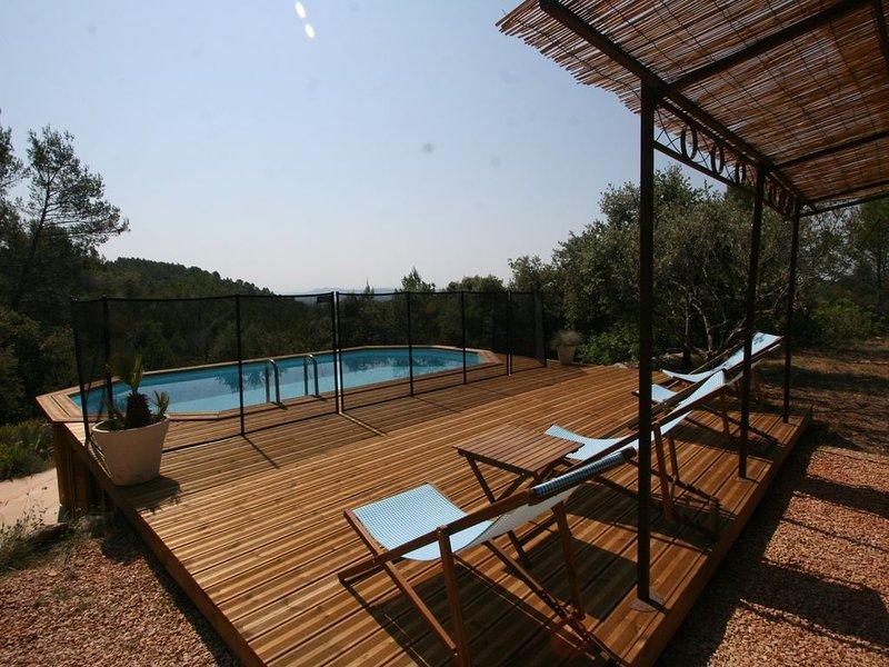 Villa lumineuse, La nature et le calme vous tendent les bras, location de vacances à Sillans-la-Cascade