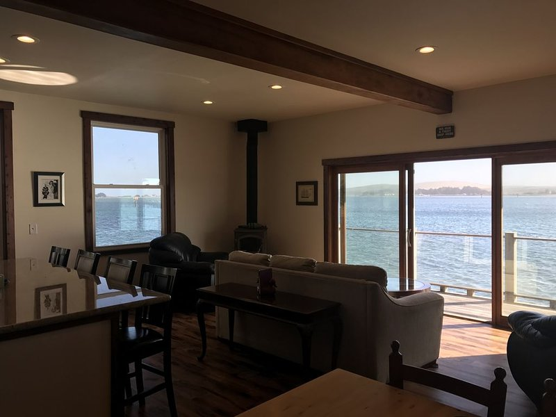Newly remodeled gorgeous 2 bed/2 bath private vacation rental with the best view, alquiler de vacaciones en Bodega Bay