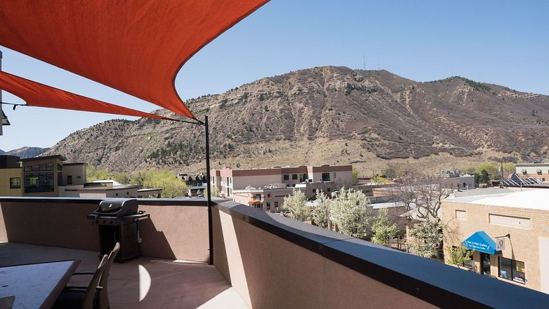 Downtown Convenience, Bright And Beautiful!, vacation rental in Durango