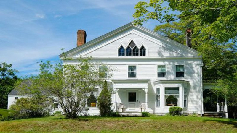 Lovely Shipbuilder Victorian home peaceful w/ view of Damariscotta River, alquiler de vacaciones en Jefferson