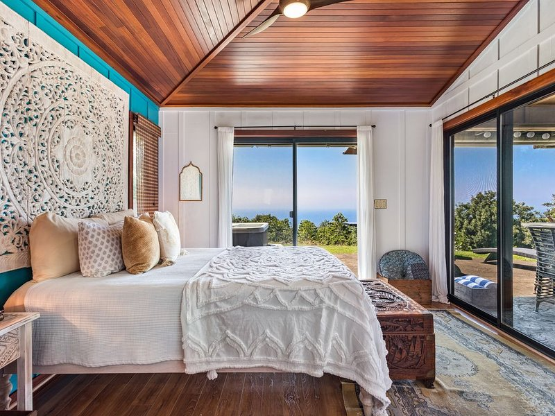 Aolani Coffee Cottage With Expansive Ocean & Coffee Farm Views, aluguéis de temporada em Holualoa