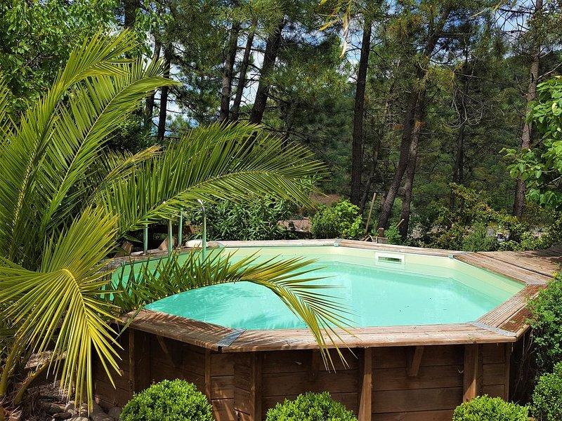 ***** JOLIE VILLA REZ DE JARDIN, PISCINE PRIVEE, CHIC, TENDANCE, CALME, CONFORT, location de vacances à Vidauban