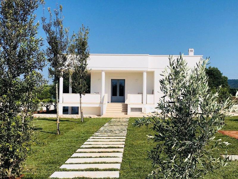 Villa in Puglia with sea view in amazing countryside, alquiler vacacional en Fasano