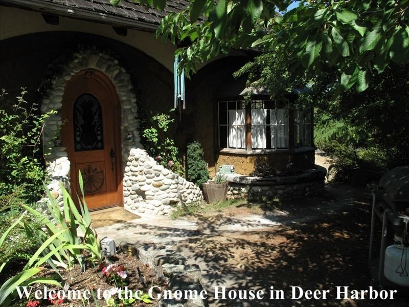 Famous Gnome House Chalet on Amazing 140 Acre Private Setting, vacation rental in Deer Harbor