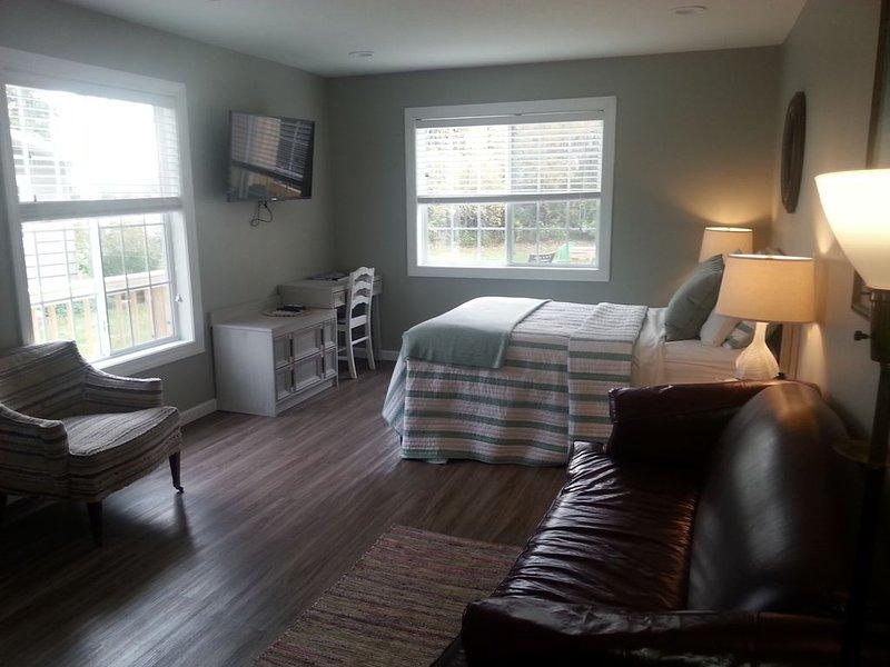 Beach Harbor Resort - Studio Cottage, holiday rental in Door County