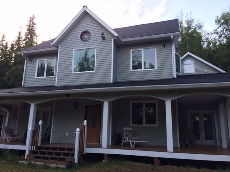 2016 Awesome Mansionlike Setting, Section B, vacation rental in Fairbanks
