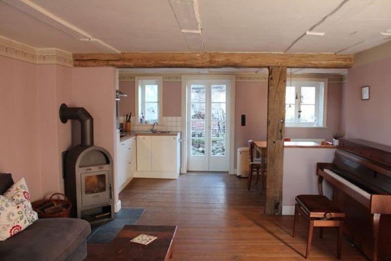 Liebevoll restauriertes Fachwerkhaus in romantischer Innenstadtlage, location de vacances à Wittenberge