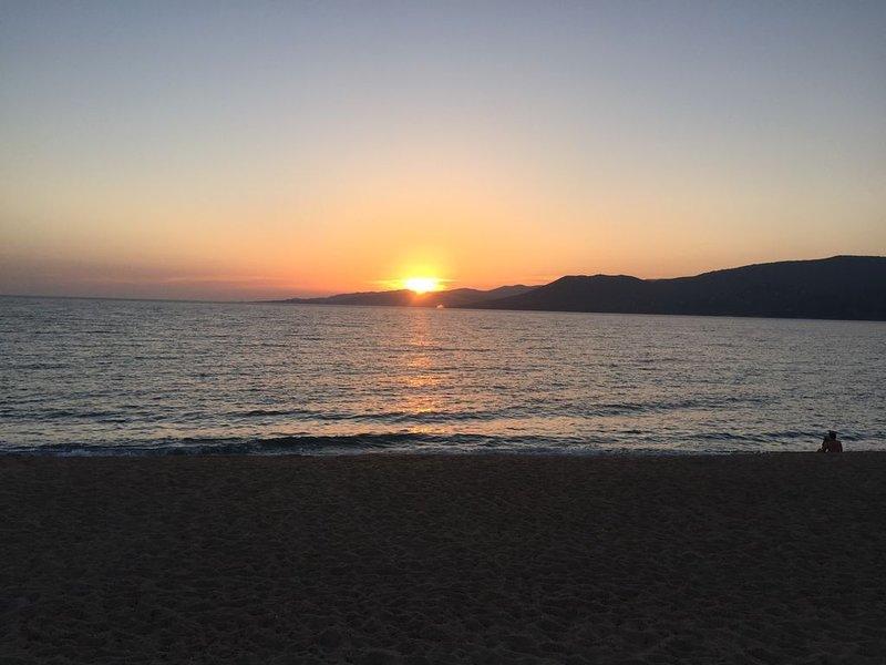 Bel Appart avec vue sur mer, piscine, proche des plages, vacation rental in Propriano