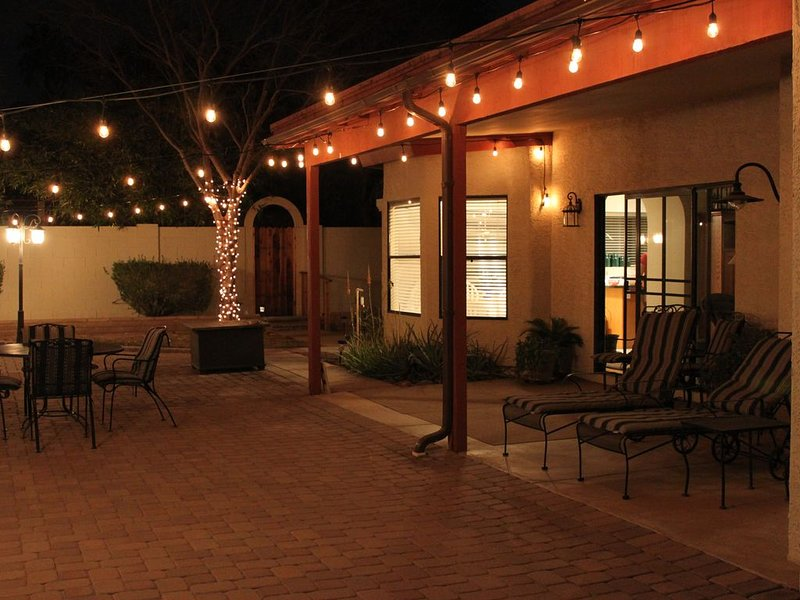 SouthTempe / Chandler Vacation Home - Community POOL & SPA, alquiler vacacional en Chandler