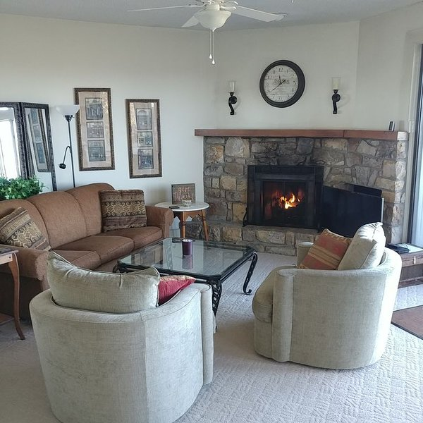 Magnificent Mountain View Condo, vacation rental in Banner Elk