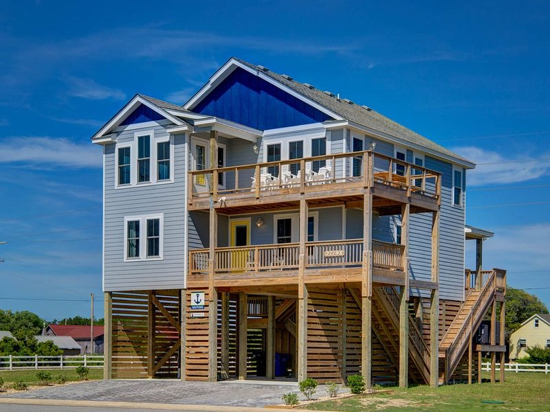 New Luxury !  Boat, Fish, Kite, walk to beach includes linens and kayaks, holiday rental in Hatteras Island