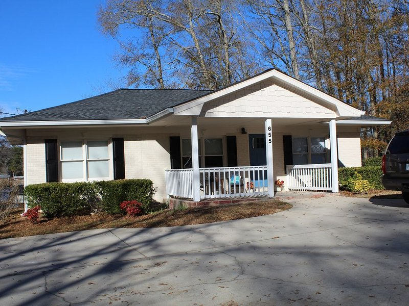 The Lakehouse at Clearwater, holiday rental in Luthersville