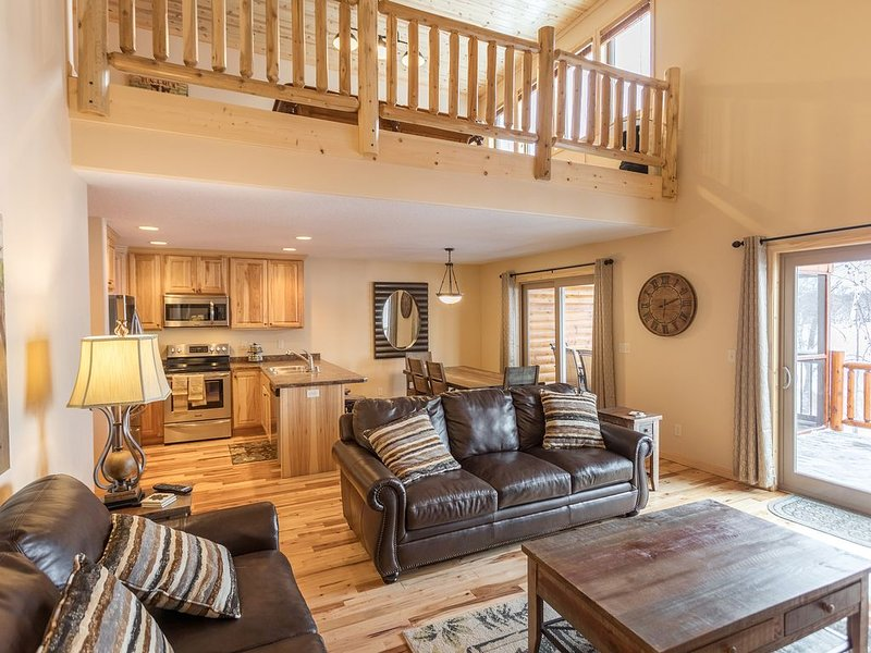 Twin 31 lake view 5 bedroom 3 bathroom home, aluguéis de temporada em Pequot Lakes