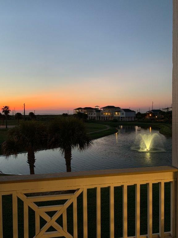 Vacker utsikt från balkongen utanför vardagsrummet.