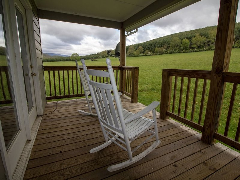The River Ash Cottage at Walker Creek Retreat, location de vacances à Draper