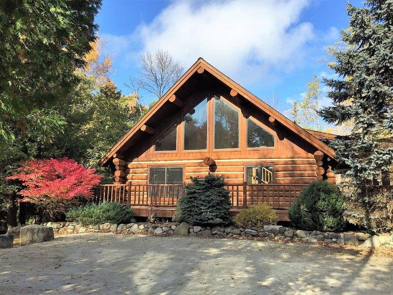 "SUPERCLEAN Nostalgic Log Home ""The Green Apple Lodge"", holiday rental in Egg Harbor"