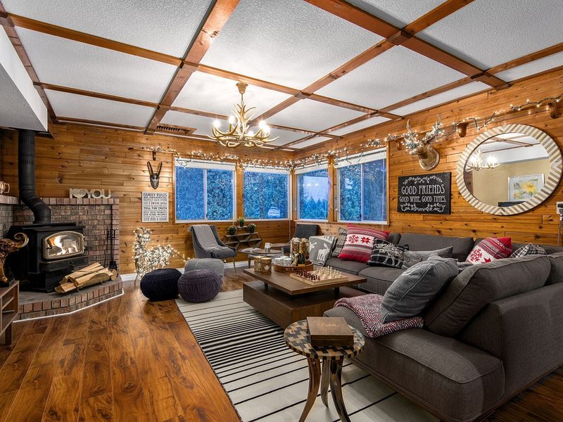 ❤️Cabin Style Retreat on 1 Acre❤️, holiday rental in Abbotsford
