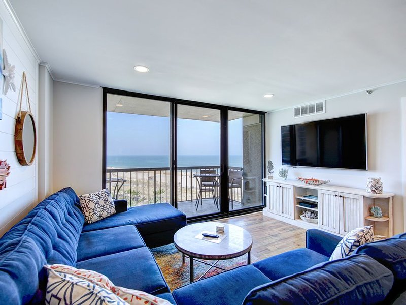 Absolutely Stunning 3 Bedroom Sea Colony Condo! Ocean Front w/Premium Renovation, holiday rental in Bethany Beach