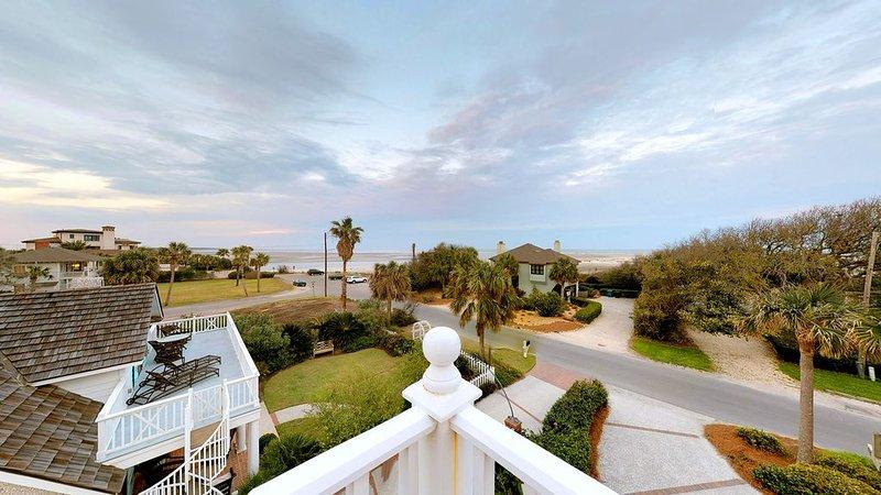Magnificent Ocean Views, Private Heated Pool, Billards on East Beach!, location de vacances à Sea Island