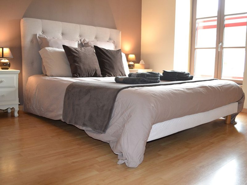 PROMO Maison à 15 min de la mer entre Mont Saint Michel et Saint Malo (à bâbord), holiday rental in Saint-Leger-des-Pres