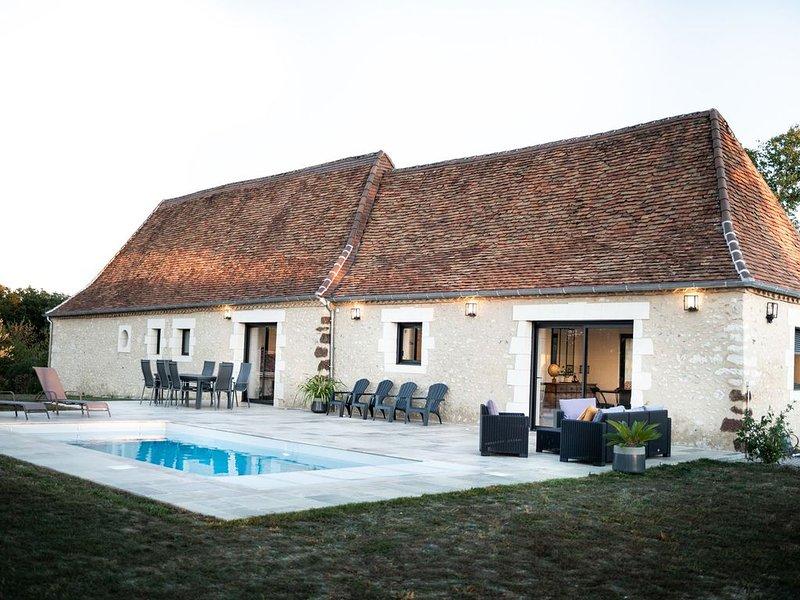 Maison en pierre avec piscine privée entre Périgueux et Montignac-Lascaux, vacation rental in Saint-Geyrac