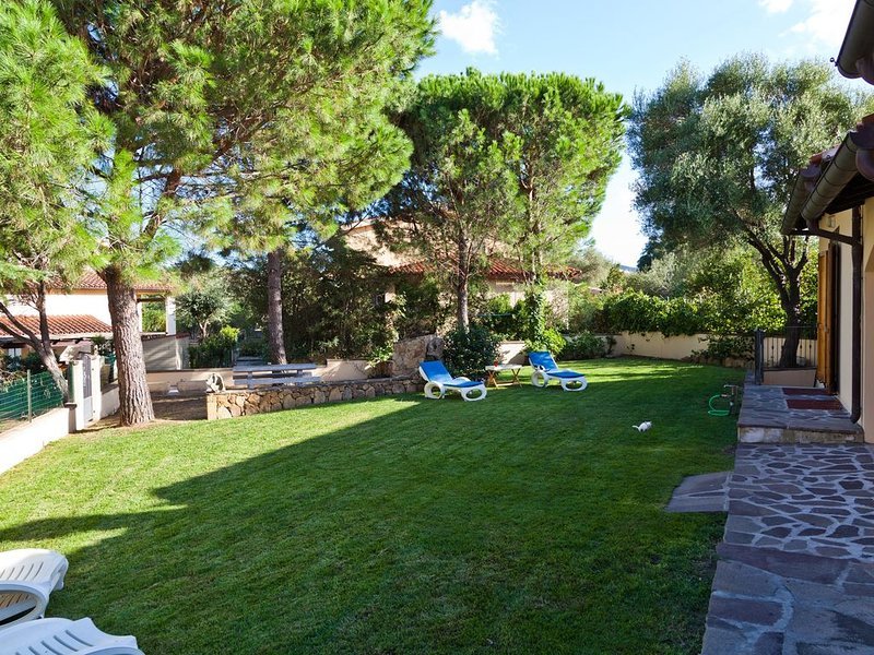 San Teodoro: Villetta 4/6 posti vicino spiaggia La Cinta, vacation rental in San Teodoro