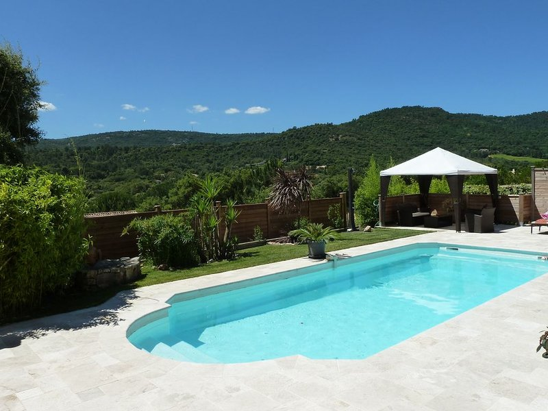 Belle maisonnette dans propriété de charme - Plein sud - Golfe de St-Tropez, casa vacanza a Plan de la Tour