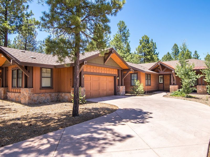 Tired of the ordinary?  Treat yourself to luxury living visiting Grand Canyon., vacation rental in Flagstaff
