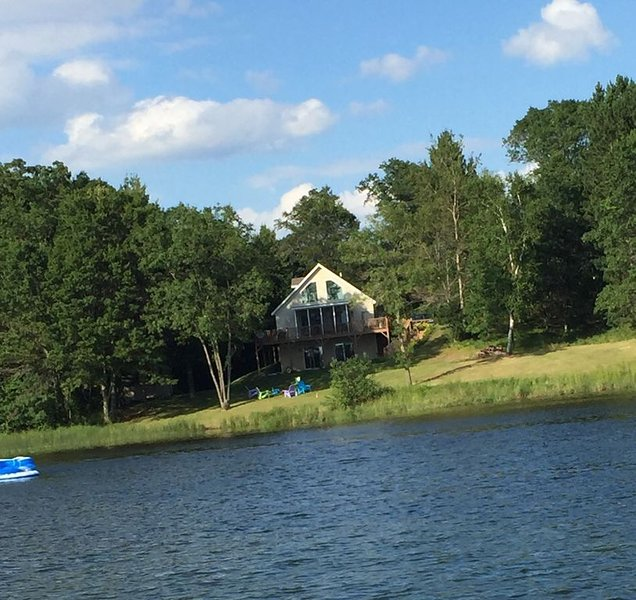 Pontoon Included!! Gorgeous 4-Season Chalet-style Lake Home, Spooner, WI, holiday rental in Spooner