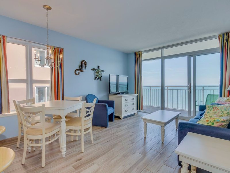 Awesome Oceanfront Condo in BayWatch Resort - **Ask about Fall/Winter Specials**, location de vacances à North Myrtle Beach