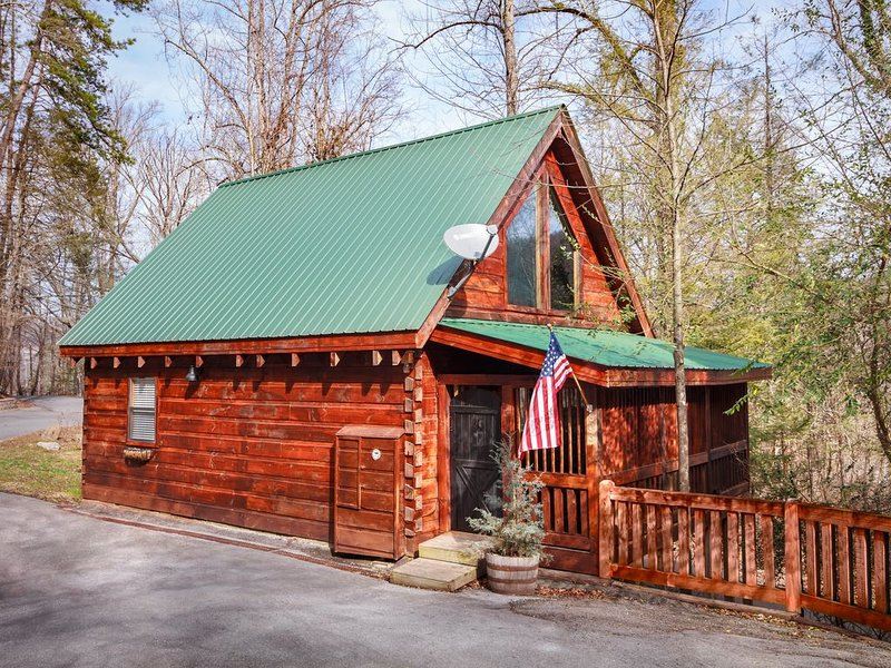 NITTA YUMA - Choctaw for 'Bear Track' - Close to ALL Action!, location de vacances à Parc national des Great Smoky Mountains