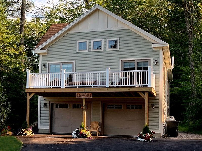 2300 SF, 3 Bdrm, 3.5 Bath Vacation Home Steps from Highland Lake, alquiler de vacaciones en Pownal
