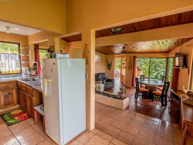 Casita at Nepenthe. Private Villa, Gorgeous views and Free Breakfast!, alquiler de vacaciones en Parque Nacional Volcán Arenal