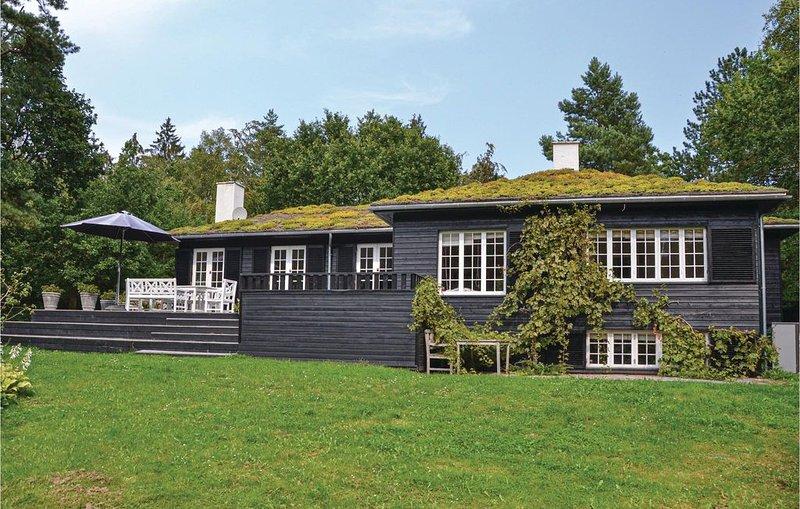 5 Zimmer Unterkunft in Hornbæk – semesterbostad i Hornbaek
