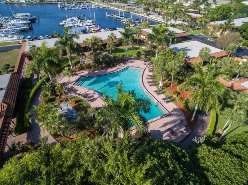 Everglades Getaway! Elegant Unit for 4 Guests, Pool, Tennis, Breakfast, Parking, casa vacanza a Ochopee